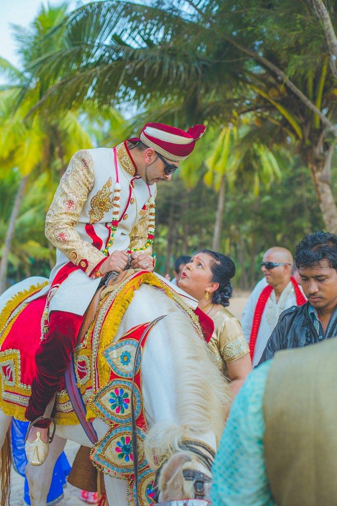 Beach-wedding-photography-shammi-sayyed-photography-India-15.jpg