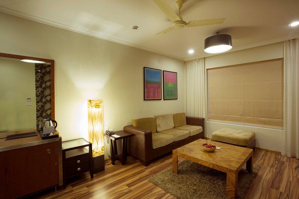 00029suit-room.jpg